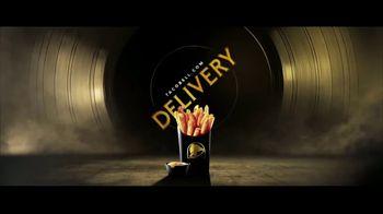 Taco Bell Nacho Fries TV Spot, 'Chasing Gold: Reviews' Featuring Darren Criss - Thumbnail 9