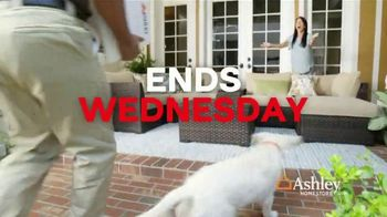 Ashley HomeStore Black Friday in July TV Spot, 'Free Premium Delivery' Song by Midnight Riot - Thumbnail 7