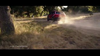 Jeep Summer of Jeep TV Spot, 'Cherokee: Connected' Song by Jeremy Renner [T2]