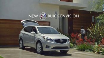 2019 Buick Envision TV Spot, 'Groceries' Song by Matt and Kim [T2] - Thumbnail 7