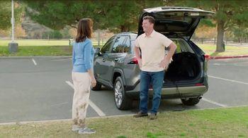 2019 Toyota RAV4 TV Spot, 'Room for the Doghouse' [T2] - Thumbnail 5