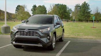 2019 Toyota RAV4 TV Spot, 'Room for the Doghouse' [T2] - Thumbnail 8