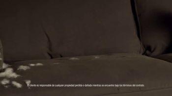Rent-A-Center TV Spot, 'Las cosas pasan, pero Rent-A-Center ¡te resuelve!' [Spanish] - Thumbnail 2