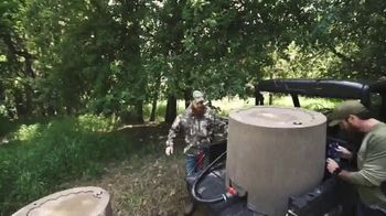 Banks Outdoors WH2O Wild Water Mineral Supplement TV Spot, 'Every Herd' Feat. Casey & Chris Keefer - Thumbnail 4