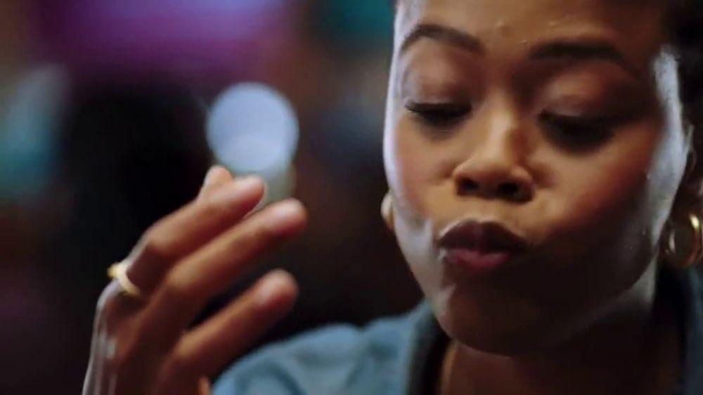 Red Robin TV Spot, The Joy of Bottomless Steak Fries - Screenshot 7