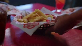 Red Robin TV Spot, 'The Joy of Bottomless Steak Fries' - Thumbnail 8