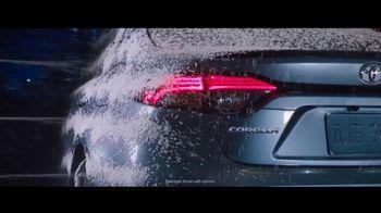 Toyota Corolla TV Spot, 'Rainy Day' Song by Chaka Khan [T2] - Thumbnail 2