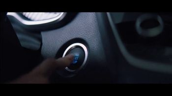 2020 Toyota Corolla TV Spot, 'Rainy Day' Song by Chaka Khan [T1] - Thumbnail 7