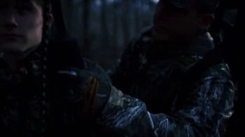 Hunter Safety System Reflective Lifeline TV Spot, 'Don't Worry Dad' - Thumbnail 6