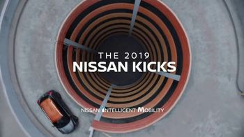 2019 Nissan Kicks TV Spot, 'Flex Your Tech' Song by Louis the Child, K.Flay [T1] - Thumbnail 7