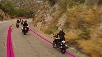 T-Mobile TV Spot, 'Señal: actualízate al nuevo iPhone 11 por cuenta nuestra' canción de Aerosmith [Spanish] - Thumbnail 4