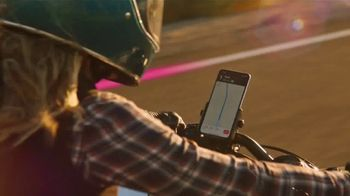 T-Mobile TV Spot, 'Señal: actualízate al nuevo iPhone 11 por cuenta nuestra' canción de Aerosmith [Spanish] - Thumbnail 5