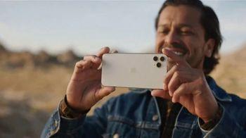 T-Mobile TV Spot, 'Señal: actualízate al nuevo iPhone 11 por cuenta nuestra' canción de Aerosmith [Spanish] - Thumbnail 6