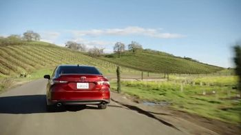 Toyota TV Spot, 'Golden Coast' [T2] - Thumbnail 6