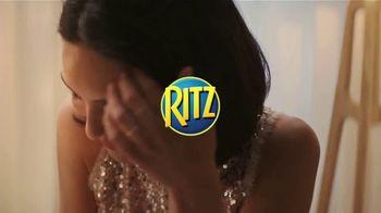 Ritz Crackers TV Spot, 'The Show' canción de Anthony Hinnigan, Michael Norton [Spanish] - Thumbnail 1