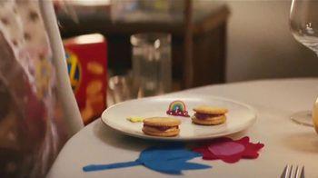 Ritz Crackers TV Spot, 'The Show' canción de Anthony Hinnigan, Michael Norton [Spanish] - Thumbnail 5