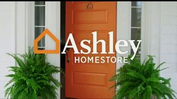 Ashley HomeStore Discover Mattress Savings Event TV Spot, 'Chime and Tempur-Pedic' - Thumbnail 1
