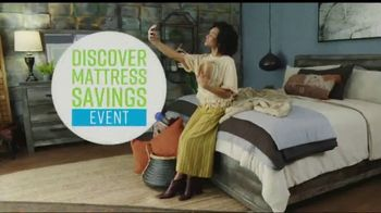 Ashley HomeStore Discover Mattress Savings Event TV Spot, 'Chime and Tempur-Pedic' - Thumbnail 2