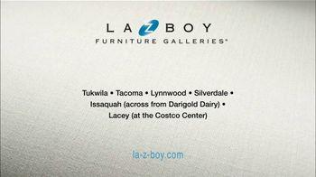 La-Z-Boy Columbus Day Sale TV Spot, 'Favorite Spot' - Thumbnail 10