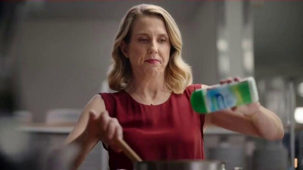 Hidden Valley Ranch Seasoning TV Commercial, 'Restaurant Surprise'