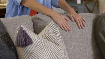 Bassett TV Spot, 'Custom Furniture: 30 Percent Off Rugs' - Thumbnail 2