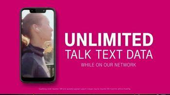 T-Mobile TV Spot, 'Signal: $30 Per Line' - Thumbnail 3