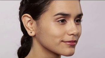 Finishing Touch Flawless Dermaplane Glo TV Spot, 'Brighter, Smoother, Younger Skin' - 1043 commercial airings
