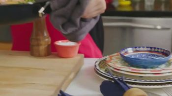 Better Than Bouillon TV Spot, 'Food Network: One Pan Paella' - Thumbnail 8