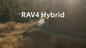 Toyota RAV4 Hybrid TV Spot, 'Primos' canción de Plastic Bertrand [Spanish] [T1] - Thumbnail 9