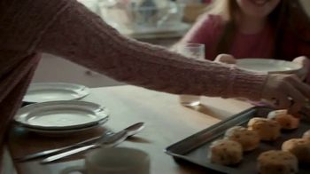Pillsbury Sweet Biscuits TV Spot, 'Family Time' - Thumbnail 4