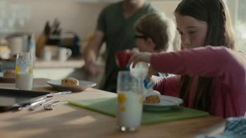Pillsbury Sweet Biscuits TV Spot, 'Family Time' - Thumbnail 5