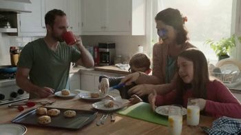 Pillsbury Sweet Biscuits TV Spot, 'Family Time' - Thumbnail 9