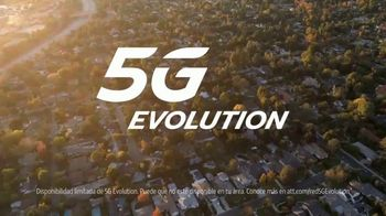 AT&T Wireless TV Spot,  'Los mejores pasteles' [Spanish] - Thumbnail 8