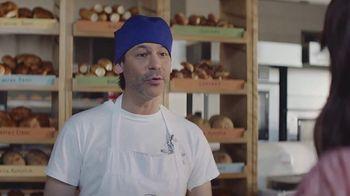 AT&T Wireless TV Spot,  'Los mejores pasteles' [Spanish] - Thumbnail 4