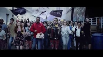 Taco Bell Party Packs TV Spot, 'Bring the Party: Free Delivery' - Thumbnail 7