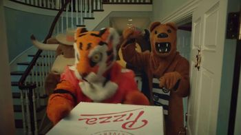 Rocket Mortgage TV Spot, 'Home Is Your Game Day Gathering Place: Pizza' - Thumbnail 3