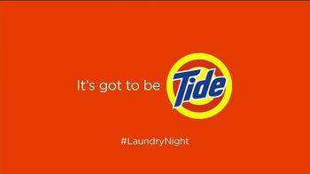 Tide TV Spot, 'Laundry Night: Fireplace' Featuring Nick Offerman, Peyton Manning, Kenan Thompson - Thumbnail 7