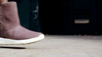 SKECHERS GOwalk Boots TV Spot, 'Made for Walking' Song by Nancy Sinatra - Thumbnail 6