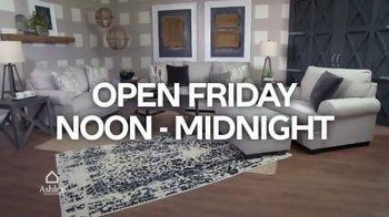 Ashley HomeStore Midnight Madness TV Spot, '30% Off and No Interest' - Thumbnail 3