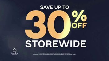 Ashley HomeStore Midnight Madness TV Spot, '30% Off and No Interest' - Thumbnail 4