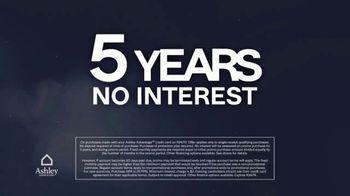 Ashley HomeStore Midnight Madness TV Spot, '30% Off and No Interest' - Thumbnail 5