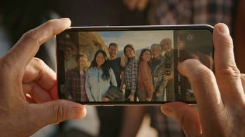 T-Mobile TV Spot, 'Signal: Trade Up' Song by Aerosmith - Thumbnail 6
