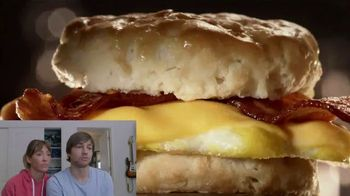 Jack in the Box 2-for-$4 Breakfast Biscuits TV Spot, 'Reacciones: salchicha o tocino' [Spanish] - Thumbnail 5