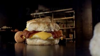 Jack in the Box 2-for-$4 Breakfast Biscuits TV Spot, 'Reacciones' [Spanish] - Thumbnail 8