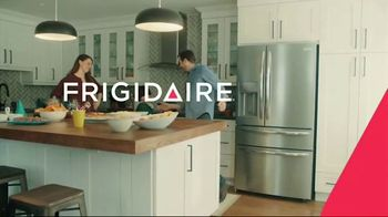 Frigidaire Summer Savings TV Spot, 'Ice Cream Cake' - Thumbnail 7