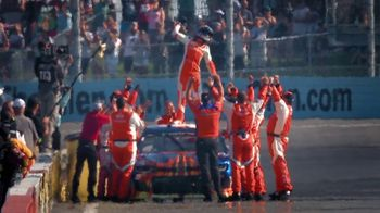 Hooters Spirits TV Spot, 'My People' Featuring Chase Elliott