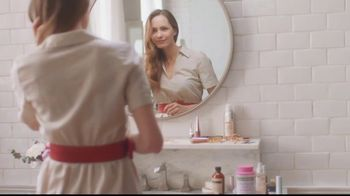 Nature's Bounty Hair, Skin & Nails Gummies TV Spot, 'Beauty Routine' - Thumbnail 2