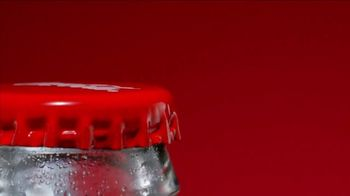 Coca-Cola TV Spot, 'Ooohs On the Outside, Ahhhs On the Inside' - Thumbnail 6