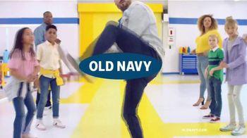 Old Navy TV Spot, 'Entona tu look de verano: jeans' canción de Kaskade [Spanish] - Thumbnail 1