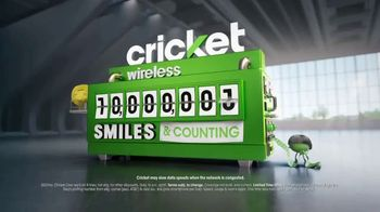 Cricket Wireless TV Spot, 'Smiles' - Thumbnail 10